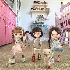 """Keep going girls, nice and steady! You're doing really well! The secret is to look straight ahead!!!"" #vainilladolly  #holagominola  #erregirodolls  #kbabydolls  #dewdropteddybears  #thepumpkinbelle  #moshimoshi  #dakawaiidolls  #kawaii  #thelittlemischiefs  #blythedolls  #dollphotography  #sisters"