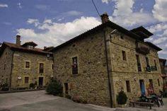 Posada Casa Molleda . http://www.turismoruralcantabria.com/356-Posada-Casa-Molleda.htm