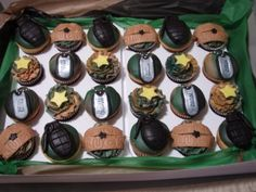 Army Cupcakes I made these cupcakes for a brave man that was leaving to the war. Military Cupcakes, Army Cupcakes, Fire Cupcakes, Army Cake, Military Cake, Cupcakes For Men, Army Themed Birthday, Boy Birthday Parties, Birthday Ideas