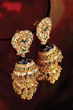 Indian Wedding, Wedding Ceremony, Bride, Bridal Jewellery, Traditional Jewellery, Rajasthani Jewellery, Jewellery, Rajput bride, Kundan Butti Indian Wedding Jewelry, Bridal Jewelry, Gold Jewelry, Antique Jewellery, Gold Jhumka Earrings, Gold Earrings Designs, Diamond Earrings, Hoop Earrings, Rajputi Jewellery