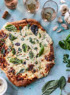 white pizza with gar