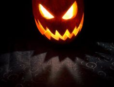 Halloween Decorations, Recipes and Pumpkin Carving ideas - everything for a special Halloween / Trick or Treat Evening Halloween Trick Or Treat, Halloween Fun, Halloween Decorations, Origin Of Halloween, Pumpkin Carving, Christianity, Harvest Festivals, Fall, Autumn