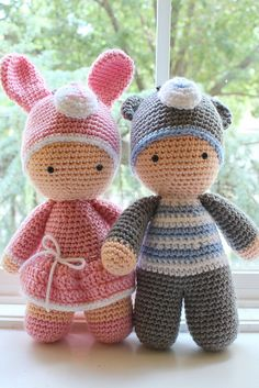 """If you have spent any time in the world of crochet then there's a good chance that you have heard the term """"amigurumi"""". Browsing through amigurumi crochet patterns, you might get a sense of what this niche of the craft is, but you may not know for su Cactus Amigurumi, Mini Amigurumi, Amigurumi Toys, Crochet Amigurumi Free Patterns, Crochet Doll Pattern, Crochet Dolls, Knitting Patterns, Crochet Gifts, Cute Crochet"""