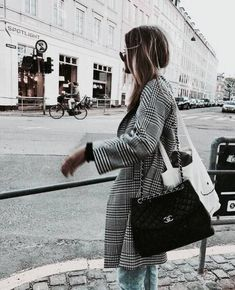 Classy High Minimal Fashion and Street Style Ideas #fashion #blackandwhite #ootd #style