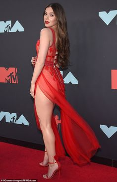 Hailee Steinfeld is just scorching as she graces the MTV VMAs in sheer crimson robe Black Widow Film, Hailey Steinfeld, Beautiful Legs, Beautiful Actresses, Sexy Legs, Sexy Dresses, Lady In Red, Asian Girl, Hot Girls