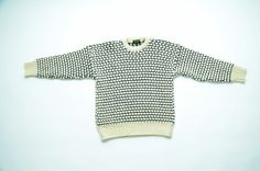 ▲Really great warm wool sweater in cream color with a navy blue knit awesome pattern, made in England. Ribbed crew neck, raglan sleeves,