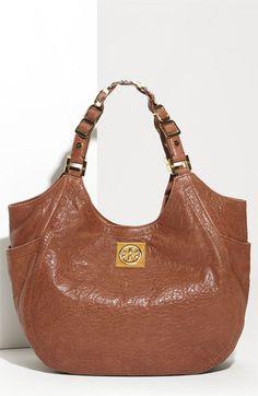 I love a nice hobo bag. I need this. Yes, need.