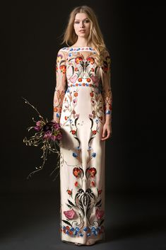 On the hunt for the perfect wedding dress? These unique embroidered wedding dresses and gowns from Etsy are sure to inspire! Temperley Wedding Dresses, Wedding Dress Sleeves, Embroidered Wedding Dresses, Embroidered Flowers, Dress Wedding, Floral Embroidery Dress, Floral Gown, Gold Embroidery, Gowns With Sleeves