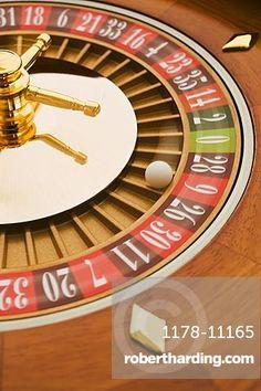 Spinning roulette wheel powerpoint gambling in exuma