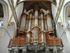 Orgel Oude Kerk wacht op geld -  Het Vater/Müller/Witteorgel in de Oude Kerk van Amsterdam, wereldberoemd en veelbesproken, moet nu echt gerestaureerd worden. beeld Gert Eijkelboom