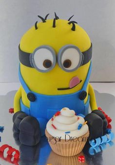 Minion cake - this is the one that Eleanor reallllllllllllllllllllllly wants for her 7th birthday