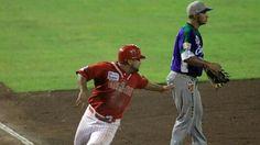 BEISBOL CAMPECHANO: * Osorio destaca a la ofensiva con los Rojos del Aguila de Veracruz en triunfo sobre los Delfines del Carmen 4 a 3
