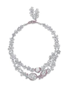 Le Jardin d'Isabelle, an exquisite diamond and coloured diamond necklace, by Boehmer et Bassenge Real Diamond Necklace, Diamond Pendant Necklace, Diamond Jewelry, Diamond Necklaces, Gem Diamonds, Silver Diamonds, Colored Diamonds, High Jewelry, Modern Jewelry