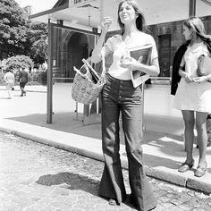 70s style icon Jane Birkin in flared trousers