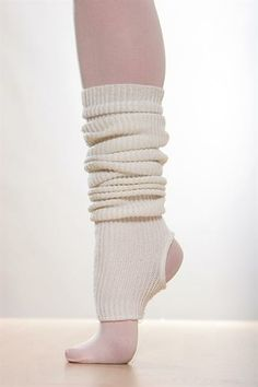 legwarmers Coin Belt, Classy Women, Fall Winter Outfits, Figure Skating, Workout Gear, Wool Sweaters, Leg Warmers, Ballerina, What To Wear