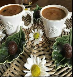Good Morning Coffee, Coffee Break, Best Coffee, My Coffee, Chocolates, Coffee Photography, Coffee Is Life, Turkish Coffee, Chocolate Coffee