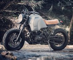 Love this '91 Yamaha XT600 by @adhoccaferacers featured on @pipeburn in July. Sporting a Yamaha Tenere tank. Beast! :: #yamaha #xt600 #adventurebike #tracker #scrambler #dualsport #dirtbike