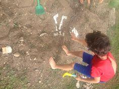 Festa continua no dia seguinte: Escavação no jardim