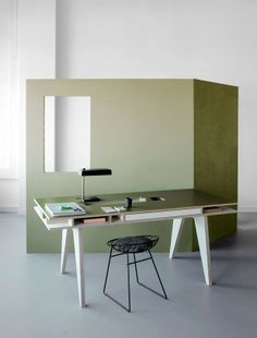 INSEKT desk Buisjes En Beugels Kellie Smits adult in colors green, yellow and grey Buisjes en Beugels +++ - Fashion, Design and Paraphernalia for Family Life