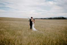 To be in the trend you have to know what is going on and what may come in the future. #weddingphotography #weddingphotographer #weddingphoto #weddingphotos #weddingphotographers #weddingphotoinspiration #weddingphotoshoot