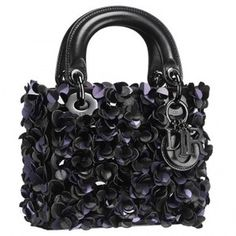 Mini Lady Dior with little flowers and paillettes, with charms Dior. Dior Handbags, Fashion Handbags, Purses And Handbags, Little Flowers, Lady Dior, Kendall, Luxury Fashion, Glamour, Mini