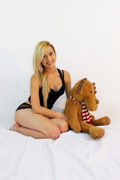 http://www.denunciando.com/fotos-y-modelos-73/811744-birrly-hermosa-su-nombre-lo-dice-todo.html