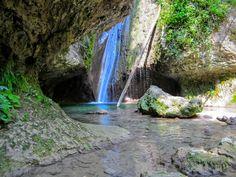 Een prachtige waterval aan het Gardameer