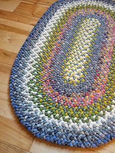 braided rug - 2 x 3 oval - your choice of size and colors!, Customized braided rug - 2 x 3 oval - your choice of size and colors!, Customized braided rug - 2 x 3 oval - your choice of size and colors! Diy Carpet, Rugs On Carpet, Cheap Carpet, Braided Rag Rugs, Homemade Rugs, Rag Rug Tutorial, Big Rugs, Circle Rug, Fabric Rug