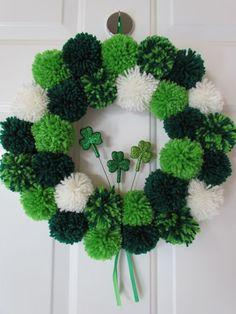 Patrick's Day Pom Pom Wreath - Crafty Designs by Beth Use pom pom colors for a floor mat San Patrick Day, Sant Patrick, Holiday Wreaths, Holiday Crafts, Holiday Fun, Wreath Crafts, Diy Wreath, Pom Pom Kranz, Pom Pom Wreath