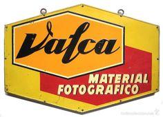 CHAPA PLACA CARTEL PUBLICIDAD EN RELIEVE MATERIAL FOTOGRAFICO VALCA G.DE ANDREIS AÑOS 50 FOTOGRAFIA - Foto 1