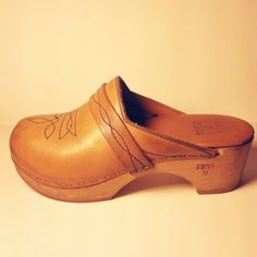Frye clogs like this have the same shape as sabots worn during the time of the French Revolution.