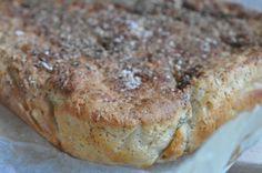 Wow et lækkert madbrød der blev tryllet på matriklen i dag. Tænk det er muligt? At gå i gang kl. 17.45 og alligevel være klar med en lækker hjemmelavet menu MED nybagt hjemmelavet madbrød til kl. 19.15. Der er