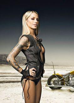 Découvrez d'autres galeries de femmes tatouées sur www.inkage.fr