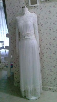 Aira wedding dress