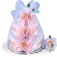 More - Diaper Cake Delight Baby Girl Gift. Diaper Cake Delight Baby Girl GiftA diaper cake that is delightful! Diaper Cake Delight Baby Girl Gift is an elegant baby gift that has a lot going for it. Baby Shower Baskets, Baby Shower Niño, Baby Shower Diapers, Baby Shower Parties, Baby Shower Gifts, Baby Showers, Newborn Diapers, Diy Shower, Shower Favors
