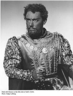 Mario del Monaco as Otello.