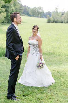 Portrait der Braut und des Bräutigams im Rahmen einer Hochzeit in Ulrichsberg (Mühlviertel).  Portrait of Bride and Groom at a wedding in Austria.