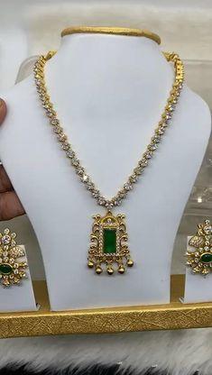Fancy Jewellery, Silver Jewellery Indian, Gold Jewellery Design, Indian Gold Necklace, Bridal Jewellery, Diamond Jewellery, Gold Necklace Simple, Gold Jewelry Simple, Necklace Set