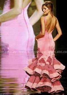 Trajes de flamenca  http://unascositasparahacer.blogspot.com.es/2011/05/hacer-un-traje-de-flamenca-paso-paso.html