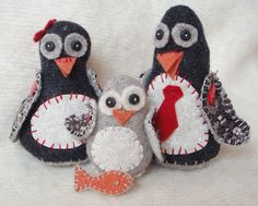"""Penguin family. Free pattern and basic tutorial.  From """"Lucy Kate crafts""""."""