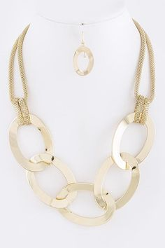 DivaByDzine - Oval Chain Link Necklace Set, $21.99 (http://www.divabydzine.com/oval-chain-link-necklace-set/)