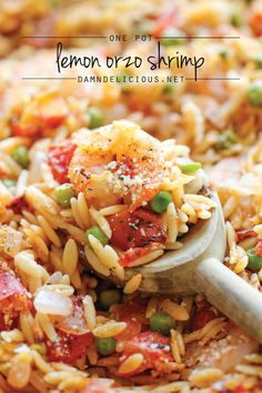 One Pot Lemon Orzo Shrimp - A super easy one pot meal that the whole family will love - even the orzo gets cooked right in the pot! Use GF orzo and broth Fish Recipes, Seafood Recipes, Pasta Recipes, Dinner Recipes, Cooking Recipes, Healthy Recipes, Dinner Ideas, Skillet Recipes, Skillet Meals