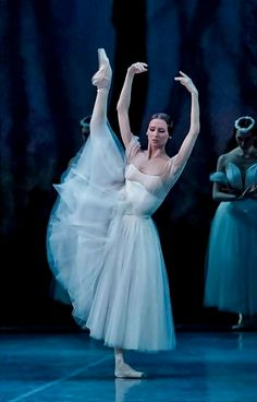 Svetlana Zakharova - Bolshoi Ballet                                                                                                                                                                                 More