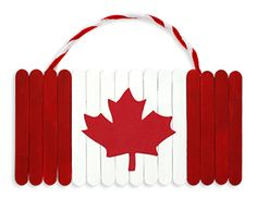 Canada Day Flag Hanging Plaque More We are want to say thanks if you like to share this post to another people via your. Summer Crafts, Holiday Crafts, Crafts For Kids, Arts And Crafts, Diy Crafts, Stick Crafts, Daycare Crafts, Canada Day Flag, Canada 150