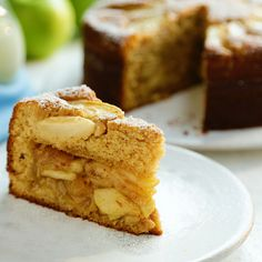 Gingerbread Apple Pie Cake When you can't choose between cake or pie, bake yourself happy with b Apple Pie Recipes, Sweet Recipes, Baking Recipes, Cake Recipes, Dessert Recipes, Just Desserts, Delicious Desserts, Yummy Food, Tasty