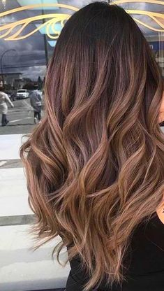 hair 45 hair color hottest highlights for brown hair to enhance your features 00013 Brown Hair With Blonde Highlights, Brown Ombre Hair, Brown Hair Balayage, Balayage Brunette, Light Brown Hair, Hair Color Balayage, Brown Hair Colors, Ombre Hair For Asians, Asian Ombre Hair
