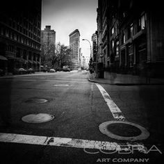 Empty street- Thierry Vanhuysse Urban and city art, modern abstract, photographic art on plexiglass, Cobra Art Company