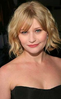 Do you like Emilie's hair better with bangs or without bangs? Poll Results - Emilie de Ravin Wedding Hairstyles For Women, Popular Short Hairstyles, 2015 Hairstyles, Celebrity Hairstyles, Cool Hairstyles, Hairstyles Pictures, Blonde Hairstyles, Hairdos, Emilie De Ravin