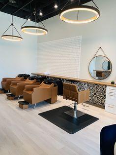 Home Beauty Salon, Home Hair Salons, Beauty Salon Decor, Home Salon, Nail Salon Decor, Hair Salon Interior, Salon Interior Design, Salon Design, Design Design