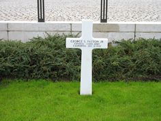 Google Image Result for http://upload.wikimedia.org/wikipedia/commons/4/4d/General_Patton%27s_grave_300806.jpg